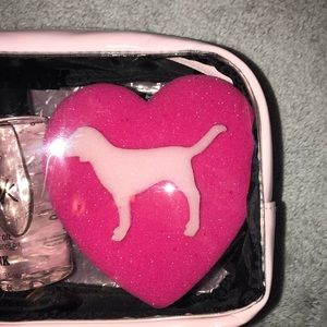PINK Victoria's Secret Other - PINK Travel Kit 🥥